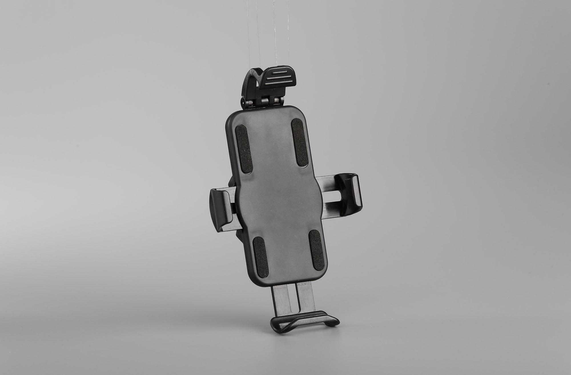 iphonePLUSサイズまで対応可能なホルダーです。